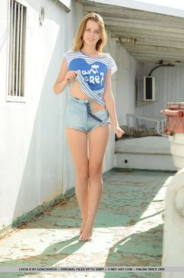 escort girl LIsle-dEspagnac